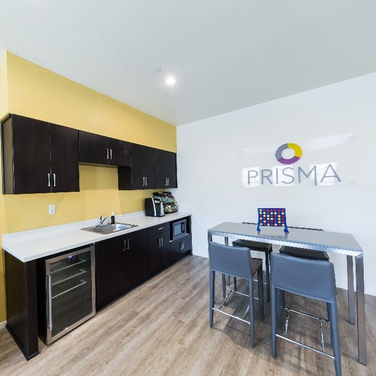 Residents Of Prisma Can Enjoy A Communal Space That Includes A Drink Fridge And Microwave To Socialize And Relax Student Apartment Student House Prisma