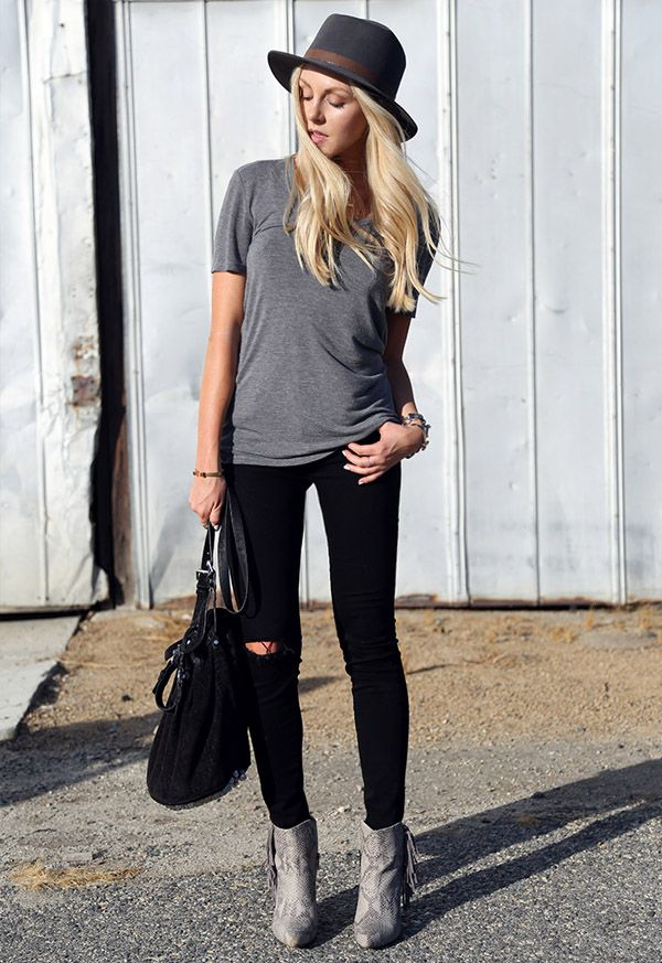 hat-street-style-grey-t-shirt-destroyed-jeans-boots