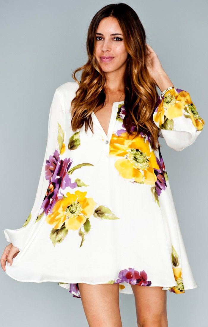 Simple background with bold florals LOVE this print Jamie Tunic ~ Floating Floral ~ Show Me Your Mumu