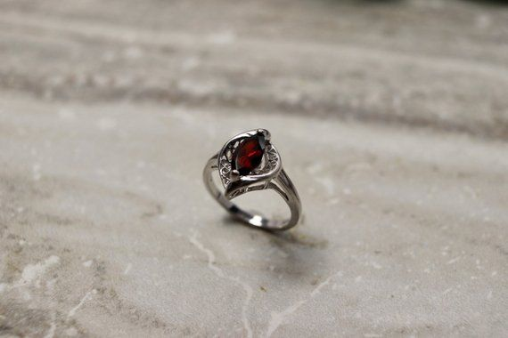 Gorgeous Silver Ring For Women Pear Cut Garnet Gems Valentines Day Gift Jewelry
