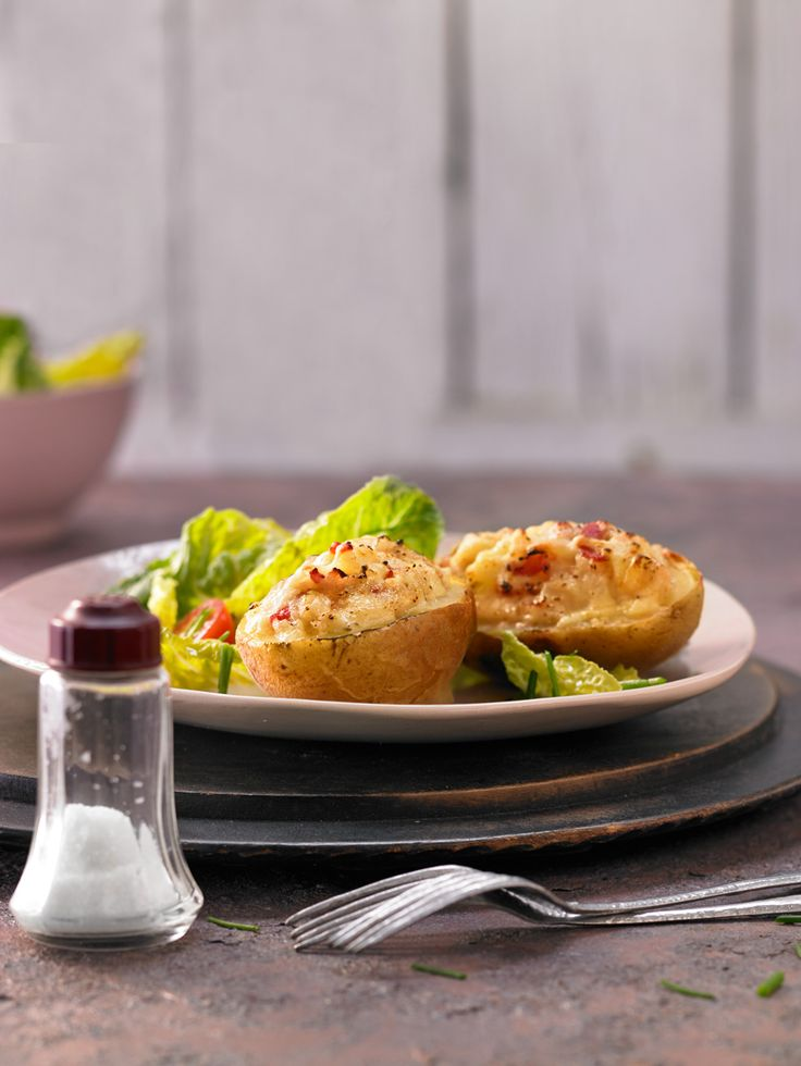 Gefüllte Ofenkartoffeln mit frischen Kräutern