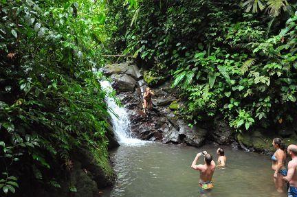 Costa Rica - waterfall - http://www.travelmoodz.com/en/travel-professional/henry-campos