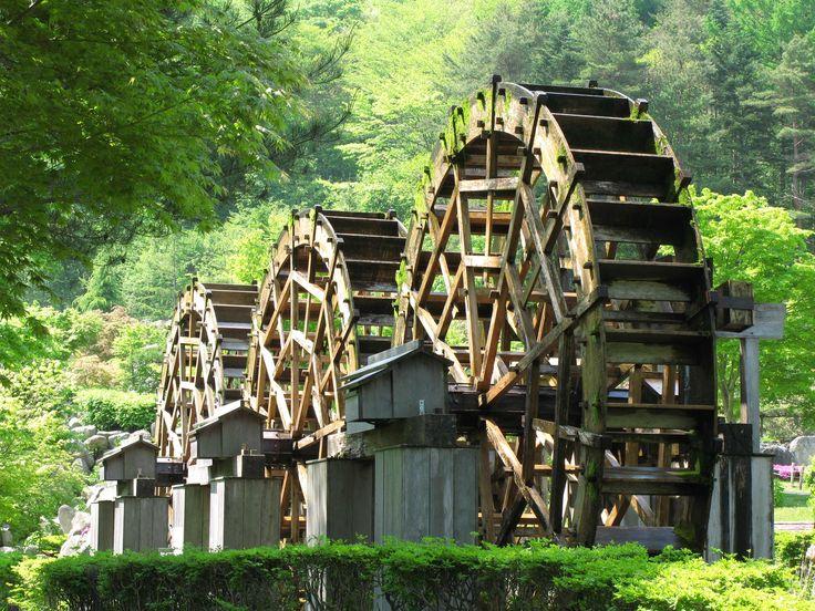 Water wheel in Yamanashi-Ken (Prefecture), Japan.