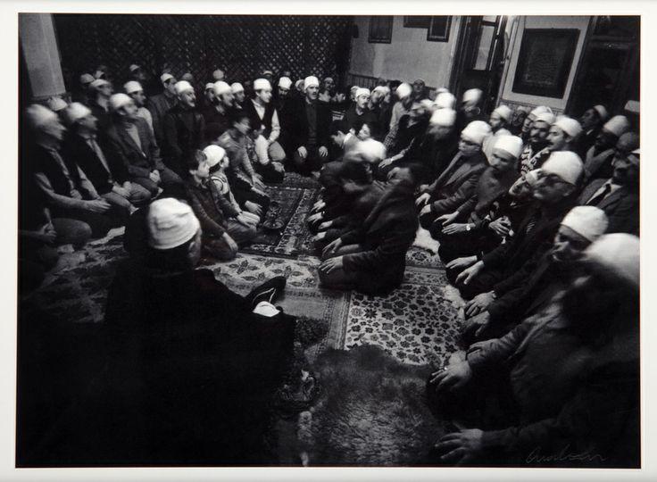 Ara Güler, Karagümrük Cerrahi Tekkesinde ayin yapılırken, Karagümrük, 1972,