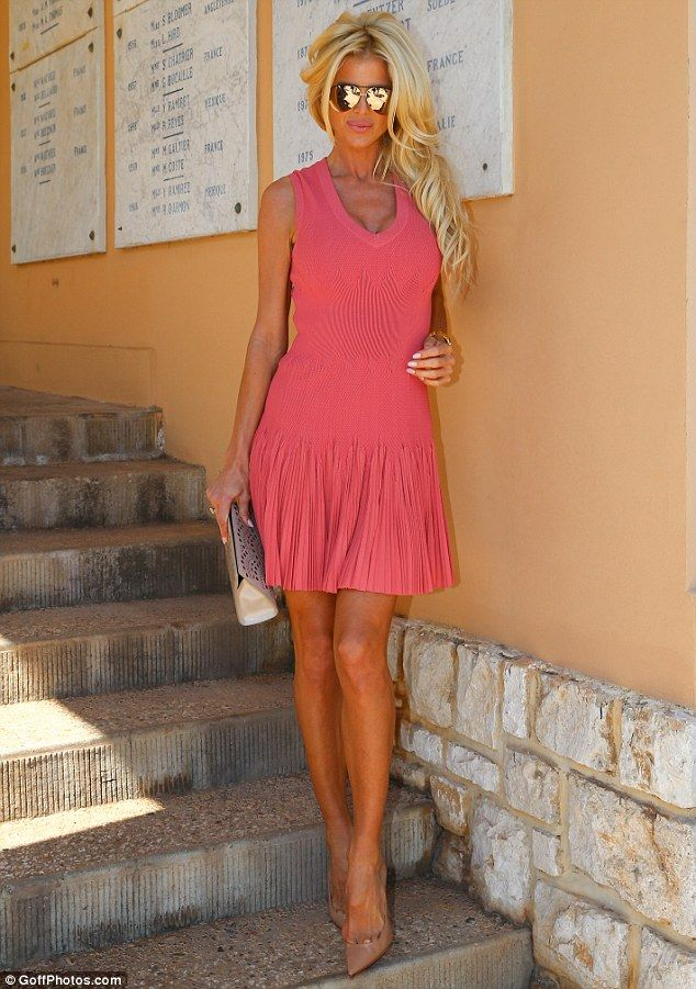Game, set, match: Victoria Silvstedt put on a busty display for the Rolex Masters semi-finals in Monte-Carlo on Saturday