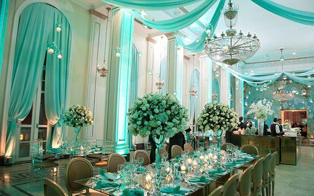 Renda-se ao encanto do azul Tiffany! Veja como usar a cor na sua festa de 15 anos