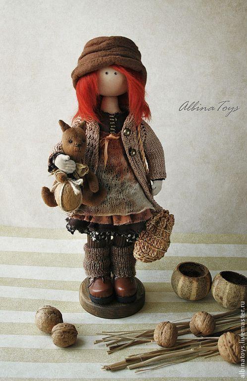 кукла с белкой