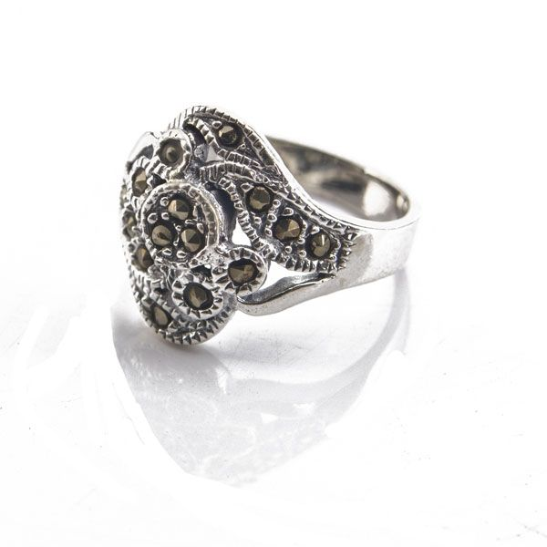 Marcasite Circle and Leaf Design Ring