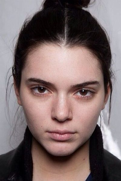 Kendall Jenner Without Makeup. Well, we should admit that Kendall Jenner without makeup looks much better than the other Kradashians family member.