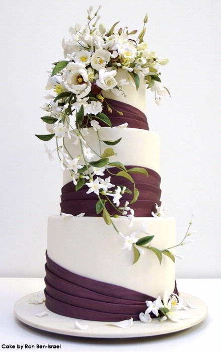 wedding cake flowers cascading 1000 images about cakes mainly white 10 on 22670