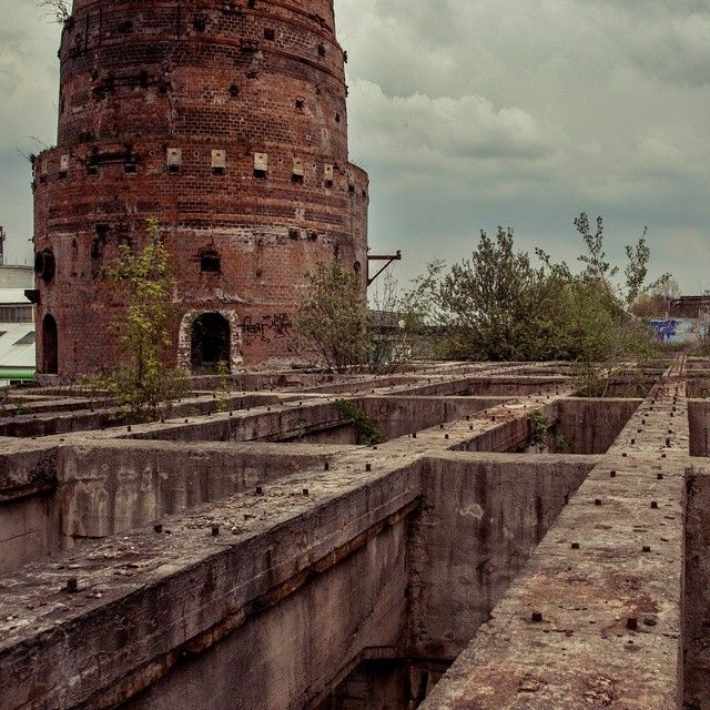Lime furnances from 1927 to 1940. Cultural heritage, currently in critical condition. #past #industrial #architecture #exploretocreate #urbex #culture #poldi