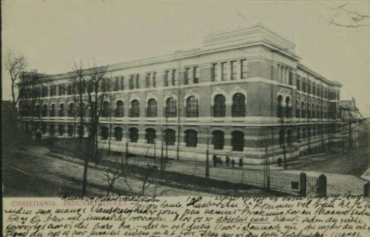 Christiania Kristiania Industrimusæet. Utg Mittet & Co. Stemplet 1904.