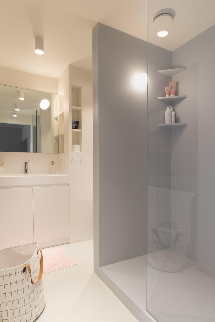 studio k I inrichten studio I totaalrenovatie incl. meubilair en decoratie I studio, epoxy, white and grey
