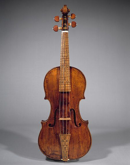 history of violin The amati workshop was one of the finest violin ateliers in europe, training many  apprentices who went on to careers as important instrument builders, possibly.