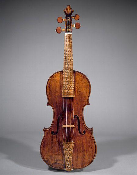OH. MY. GOSH. Nicolo Amati Violin (ca. 1596-1684). i want you to be mine mine mine!!