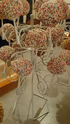 Schnelle Cake-Pops ohne Backen (Rezept mit Bild) von barzi789 | Chefkoch.de