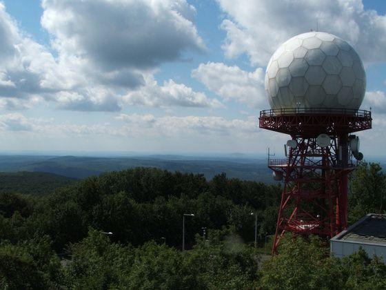 Radarállomás a Kőris-tetőn