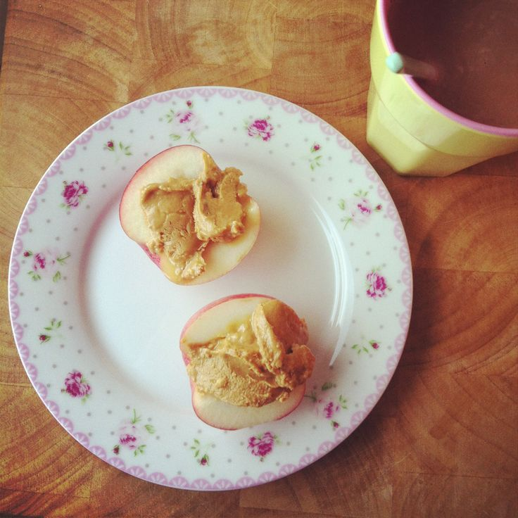 Peanut butter apples - lovely healthy snack. LCHF food