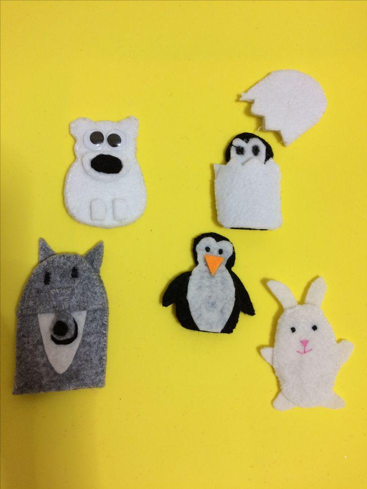 """""""PENGUEN DODO"""" hikaye panosunun parmak  kuklaları (Sibirya kurdu,kutup ayısı,kutup tavşanı'penguen ve yumurtadan çıkan yavru penguen)"""