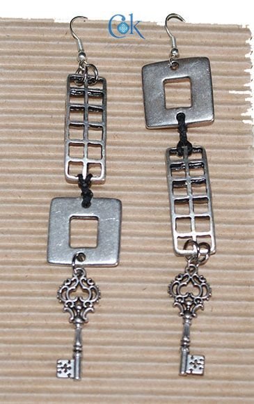 Square & paralell long earrings (285)