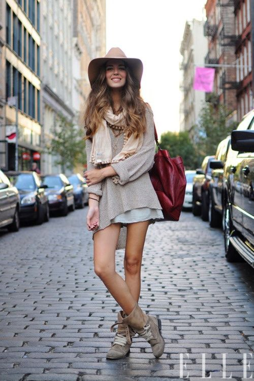 light, nude layers...and of course I need a hat like that. #style