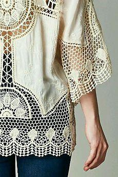 tecidos em tons crus, naturais e linhas se transformam nessa linda peça. Mãos a obra.