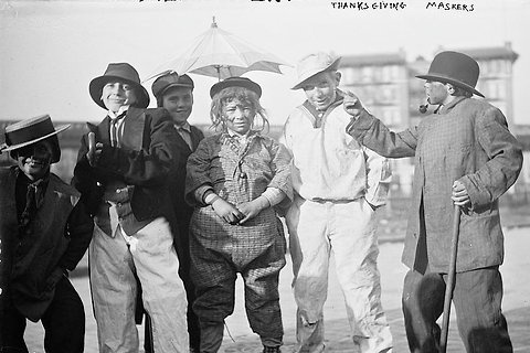 Bain Photo Archive Shows There Is Nothing New About Eccentricities - NYTimes.com: Masker Locs, Thanksgiving Masks, Vintage Photos, Masker 1910, Halloween Costumes, Children, Thanksgiving Masker, Kid, Thanksgiving Holidays