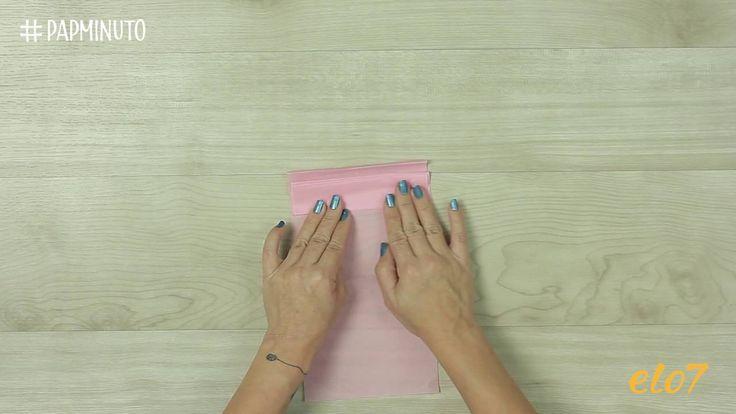 Guirnalda hecha de pompones de papel #DIYMINUTO