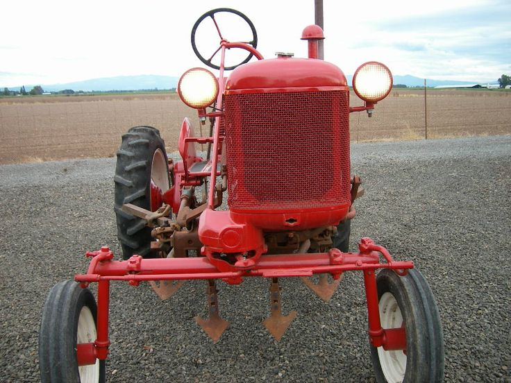 463 best images about farmall on pinterest old tractors. Black Bedroom Furniture Sets. Home Design Ideas