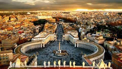 Vatikánváros egy zárt városállam Róma egyik kerületében, melynek területe 44 hektár.