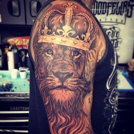 Lion tattoo.. I'd never get it that big, but this is bad ass.