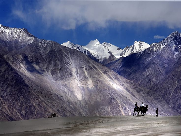 Ladakh The Moon land: Click here for More details - http://www.travelmasti.com/domestic/ladakh/index.htm
