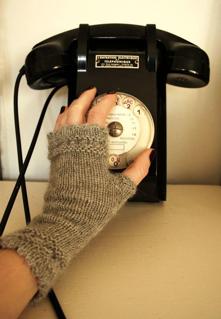 Modèle susie's reading mitts de Janelle Masters  et Susie Rogers disponible sur Dancing Ewe Yarns   Aiguilles 3,5 mm - Alpaga Caserita  gr...
