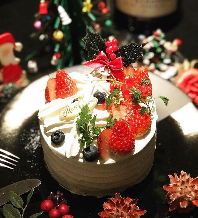 こんばんは 本日はクリスマスケーキ第一段のご紹介です 北海道産の生クリームと、とちおとめをふんだんに使って仕上げた  imakara特製クリスマスケーキ 甘酸っぱい、いちごとふわふわの食感の絶品ショートケーキ✨ ・ ぜひ一度お試し下さい ・  ご予約は12月1日から開始です ・ ・ ・ #imakara #テラス #バーベキュー #BBQ #肉 #ママ会 #ランチ #白金 #恵比寿 #プラチナ通り #レストラン #白金台 #二次会 #クリスマス #おいしい #shibuya #白金imakara #lun