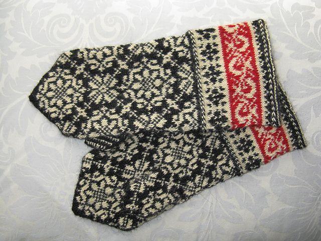 Ravelry: katus' Latvian mittens #knit #traditional #Latvia