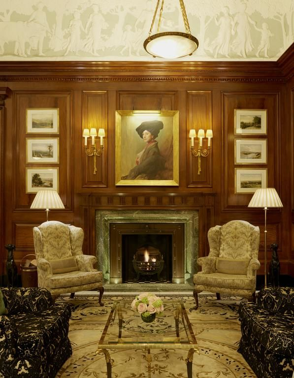 Originally opened in 1889, the world-famous Savoy Hotel is on the banks of the Thames and less than a 5-minute walk from The British Museum and The Royal Opera House. The hotel was once visited by the likes of Sir Winston Churchill, Frank Sinatra and Katherine Hepburn.