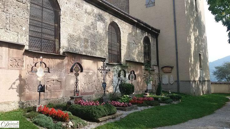 Der alte Friedhof um die Kirche Nonnberg hatte das Asylrecht. Keiner, der dort Zuflucht suchte, konnte von den Gerichten verfolgt werden.