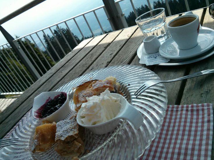 Schöckl - Strudel & Kaffee beim Stubenberghaus. #schoeckl #stubenberghaus #steiermark