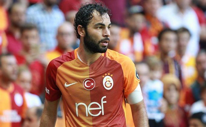 Galatasaray yönetiminin kadro dışı bırakacağı iddia edilen Selçuk İnan kadro dışı kalmadığını ve başkan ile görüşeceğini açıkladı.