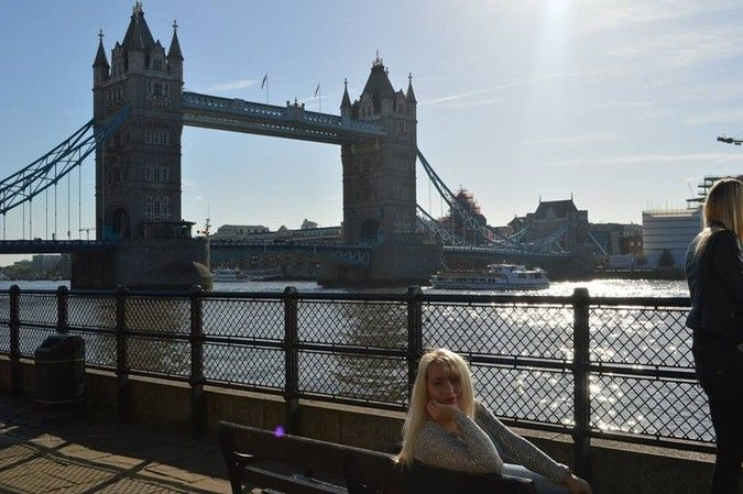 London is one amazing city! I feel like home when I'm there. Picture taken on a beautiful October day. Look how sunny it was!
