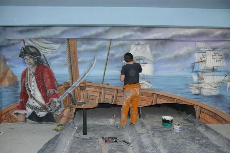 Arrangement bowling, aranżacja kręgielni, wall peinting, artystyczne malowanie ścian w kręgielni. Mural o tematyce pirackiej.