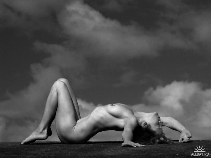 nude.