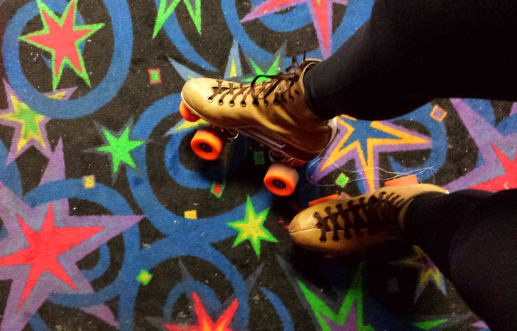 Retro Roller Skating in Fountain Valley | Go Southern California