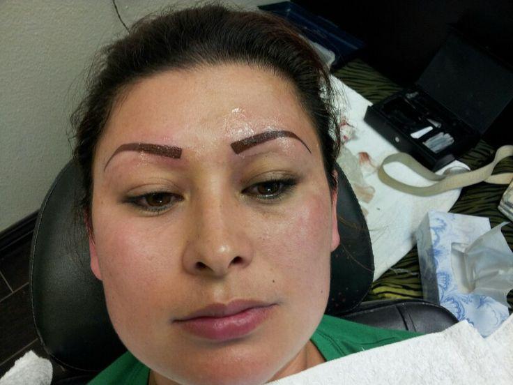 Eyebrows tatoo
