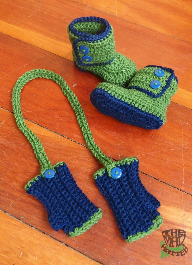 Fingerless gloves and boots set. Available up to 12 mth size. Email themadhatternz@gmail.com