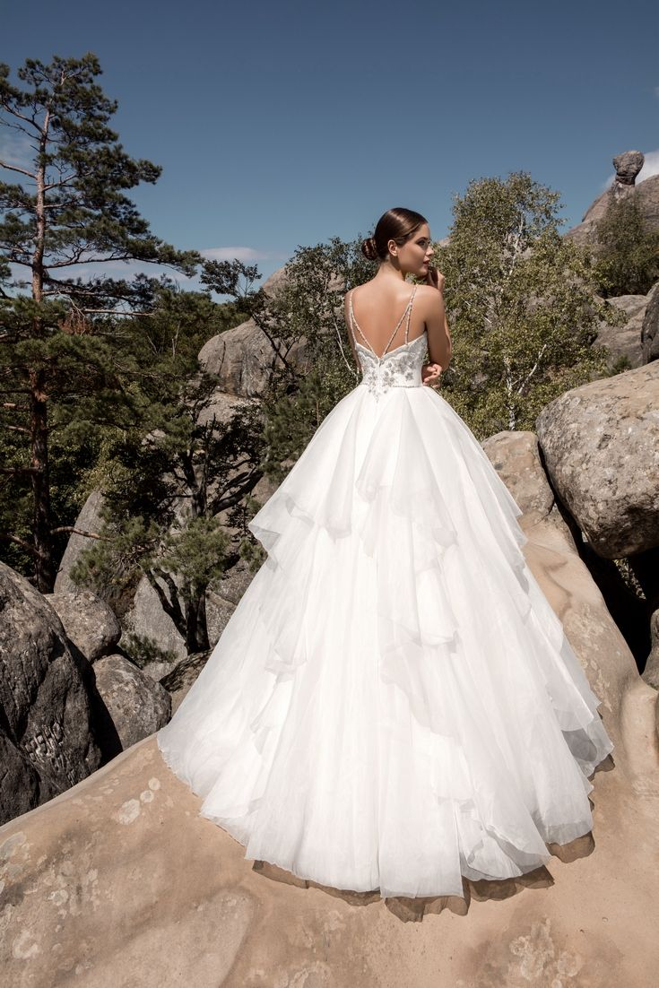Legendary Wedding Boutique: Enchanted Collection 2017 004b