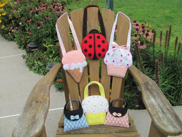 Little Girls Cupcake Purse Pattern Felt Purse Pattern Cupcake Gift Bag Party Favor PDF Tutorial How To ePattern. $5.00, via Etsy.