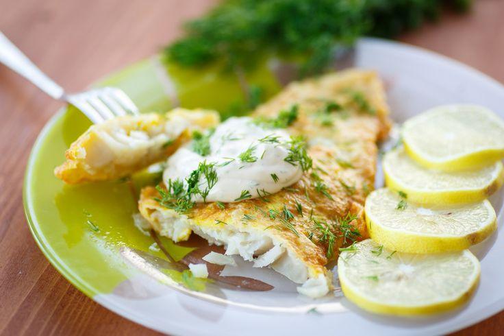 ¿Quién dijo que cocinar pescado era aburrido? Hoy tenemos una receta muy muy jugosa para que a los peques de la casa les sea más fácil comer merluza. ¡Riqu
