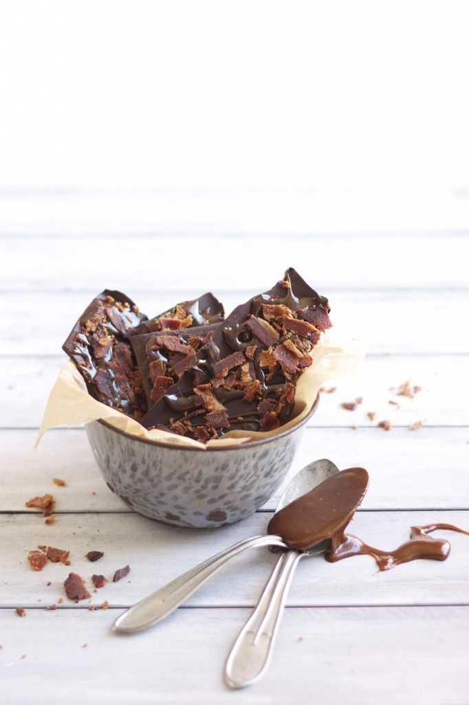 Salted Caramel Bacon Bark that will knock your socks off. SOOOO GOOD. #glutenfree #grainfree #paleo #primal #recipes