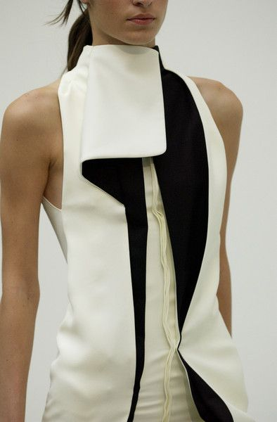Balenciaga | Spring 2004 interesting detail on the neckline, like a single ruffle, different collar. color blocking.